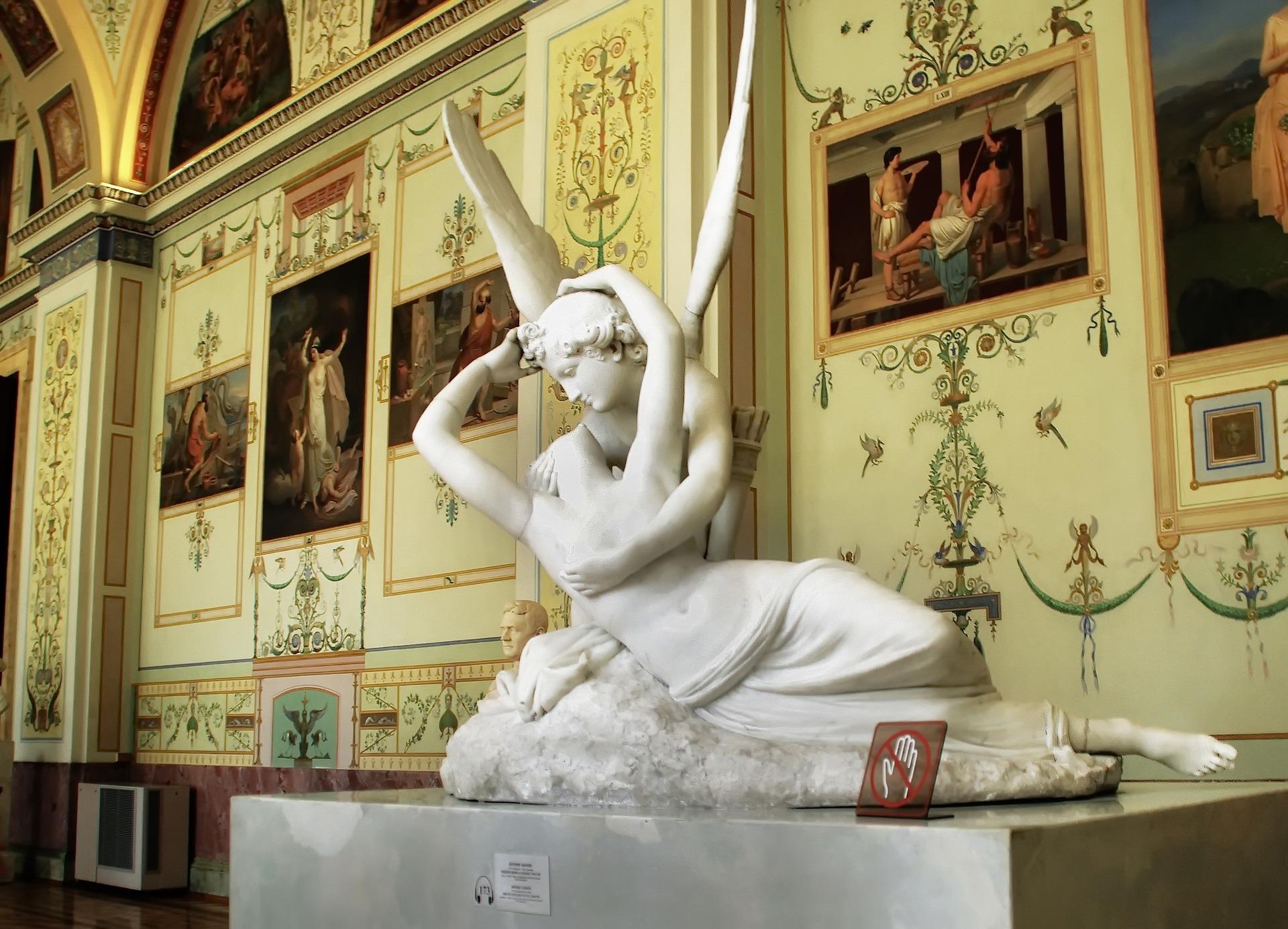 Statue de Cupidon et Psyché au musée de l'Ermitage