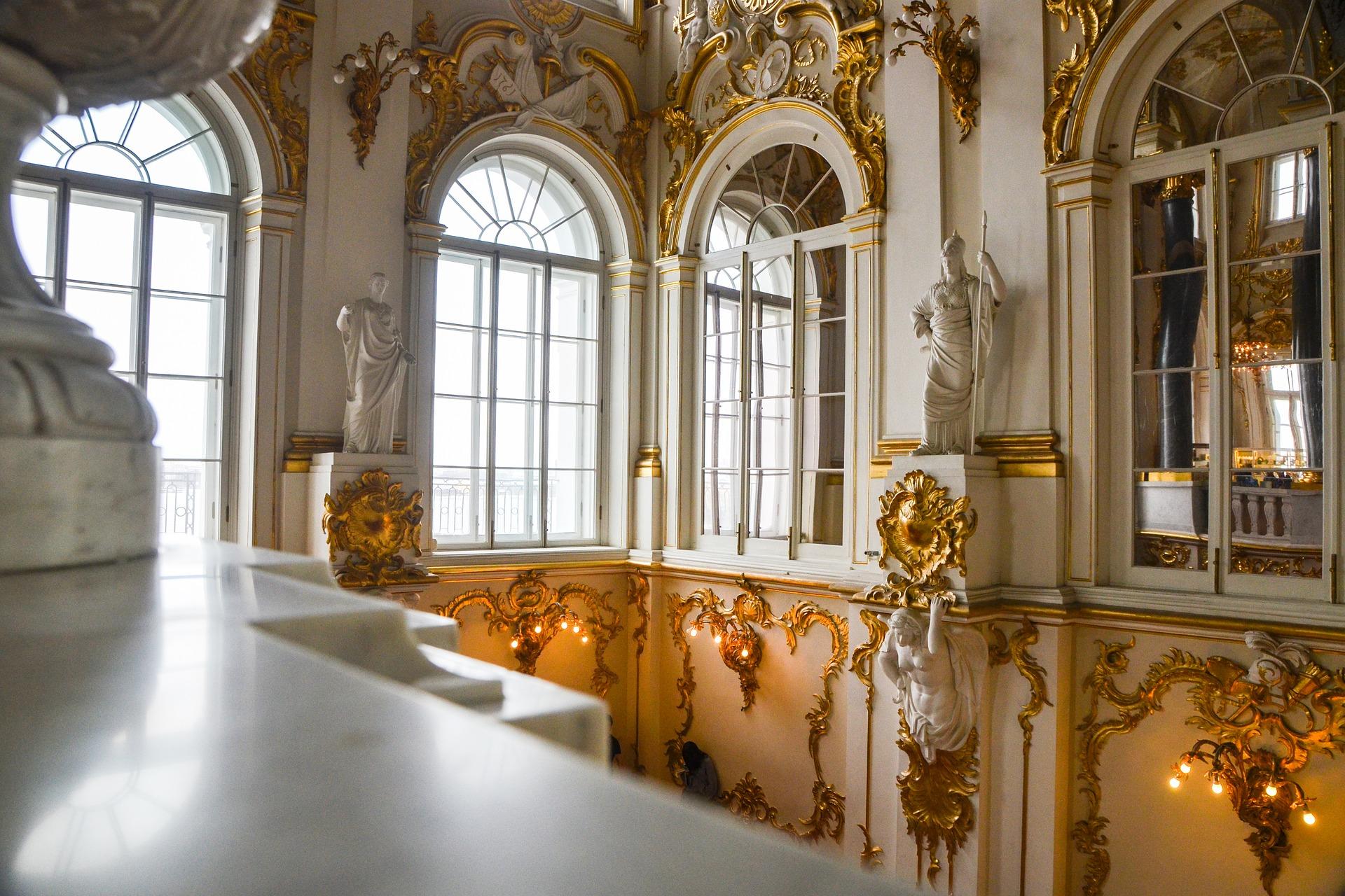 fenêtres blanc murs luxe palais d'hiver