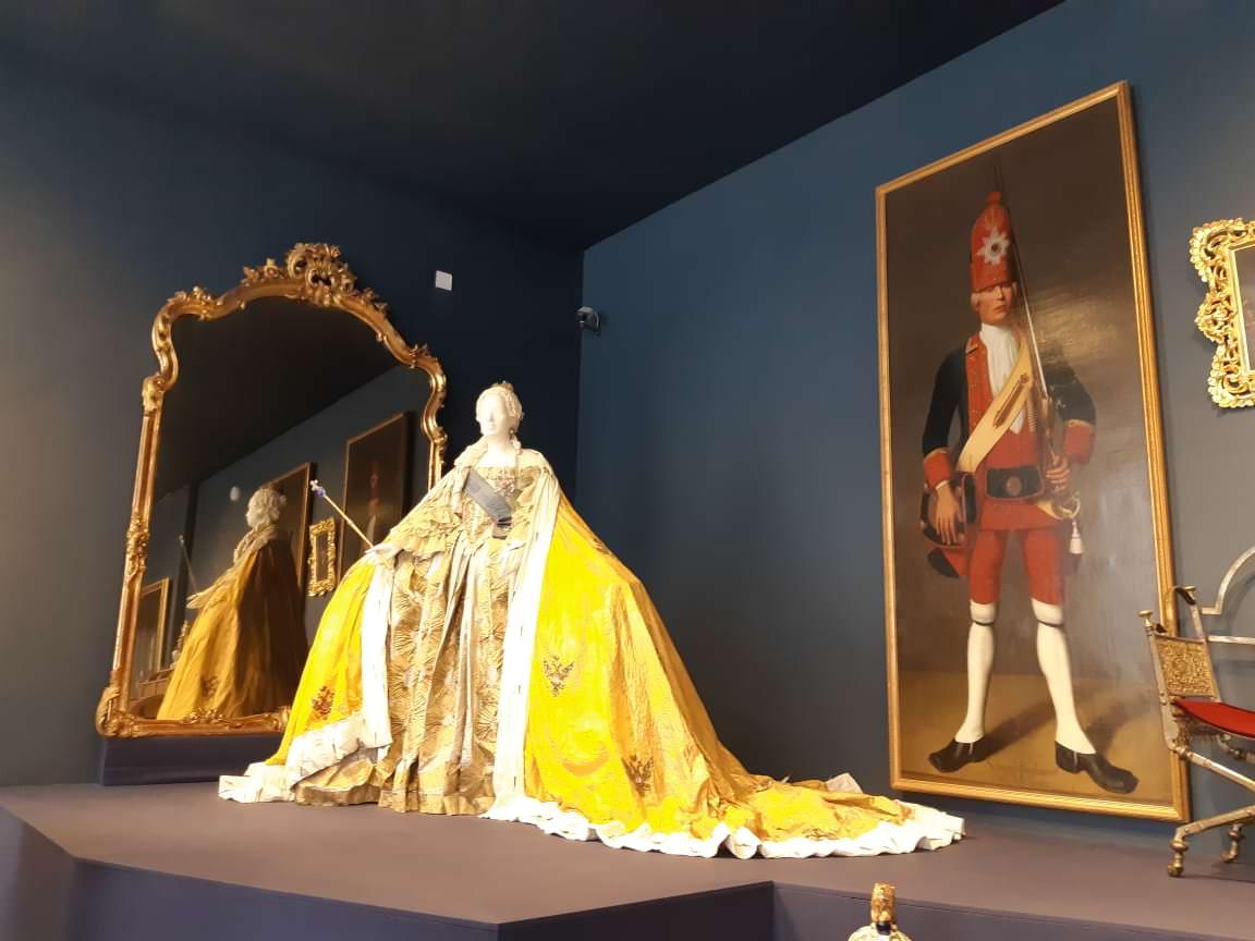 la robe d`elisabethe petrovna palais de catherine