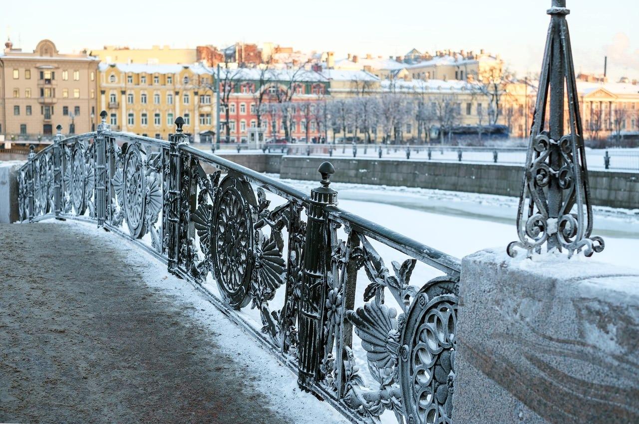 les pont de saint petersbourg en hiver