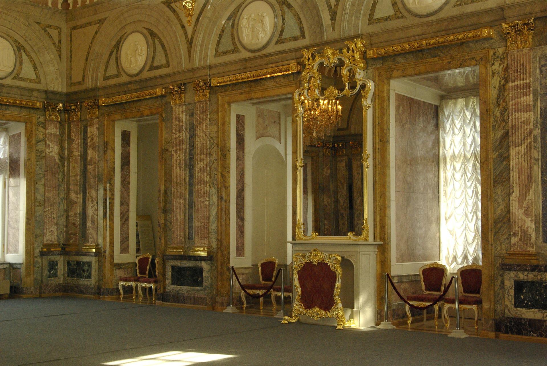Légendes et histoire du palais de Marbre