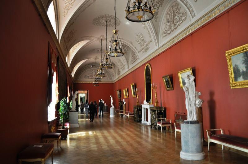 le palais Youssoupov la salle d`exposition